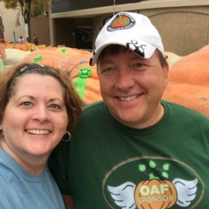 Circleville Pumpkin Show 2016 Winner Cecil Weston with Scentsy SSD Angela Tippets